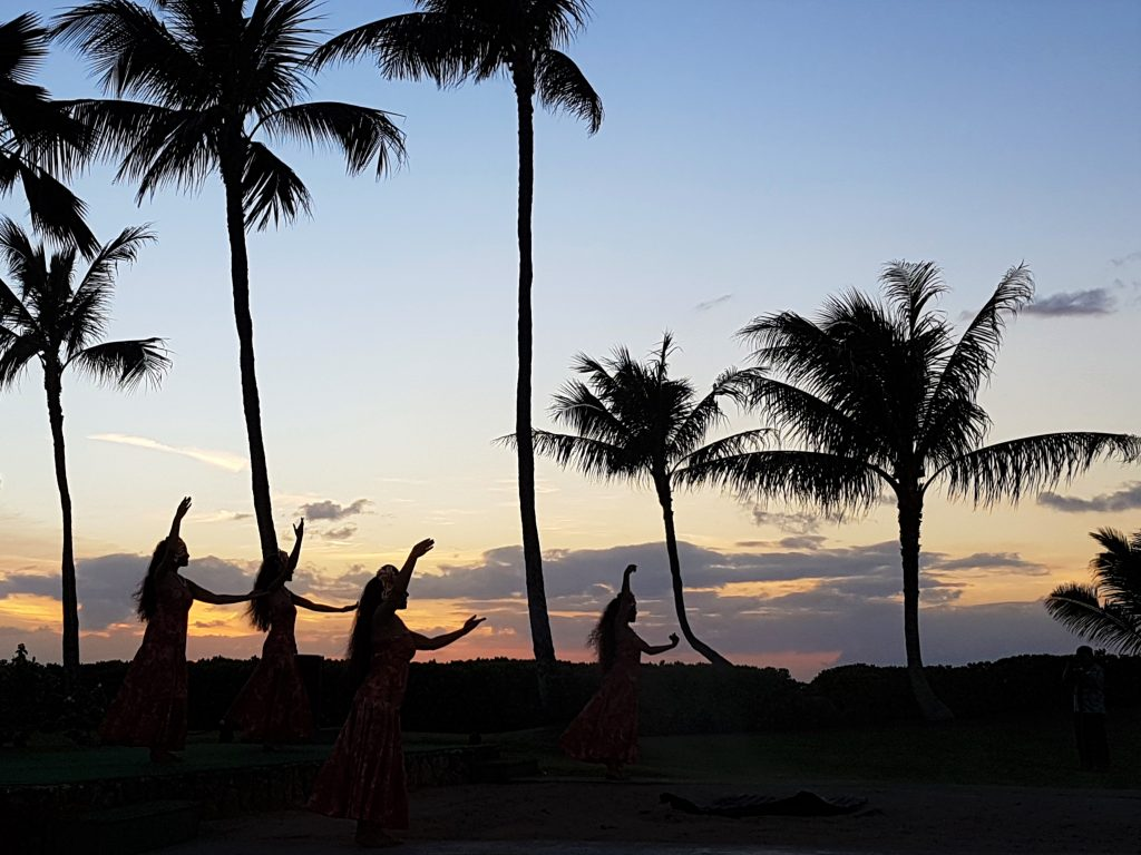hawaii-honolulu-oahu-voyage-luau-paradise-cove-danse-spectacle-coucher-de-soleil